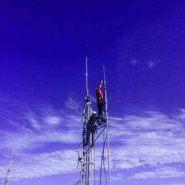 montaż anten na wysokościach